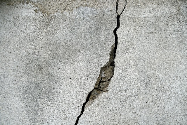 concrete cracking reasons